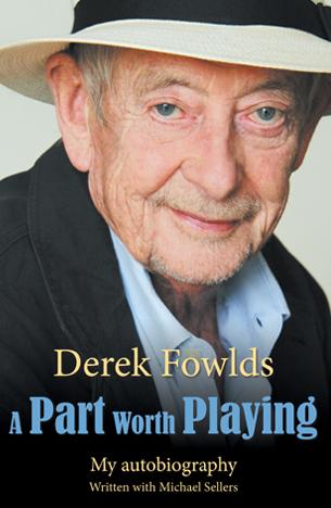 Derek Fowlds